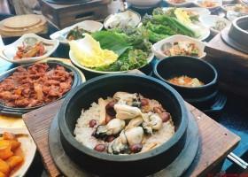 韩国料理- 牡蛎玄米饭