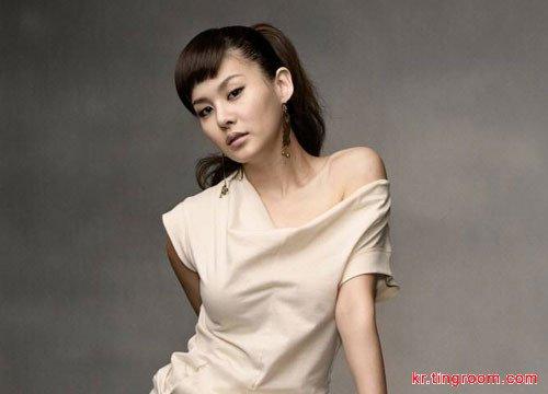 女歌手IVY被爆与作曲家金泰成热恋三年分手